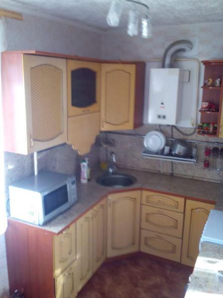 3-х комнатную благоустроенную квартиру S=66,9 м² в 3-х этажном кирпичном доме по адресу село Криулин