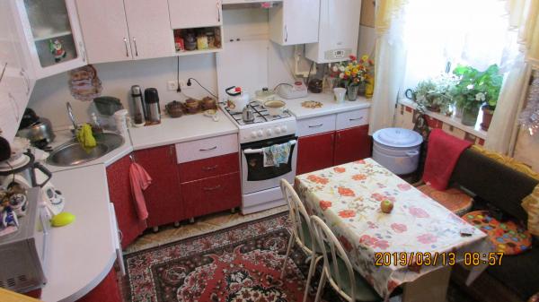 В частном пятиквартирном доме Продается 3х комнатная квартира в 2а этажа частично с мебелью, с надво