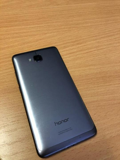 Huawei Honor 5C на 16 Гб (свободно 8,33 Гб), версия Android- 7.0 Телефон в х/c (не был в ремонте, не
