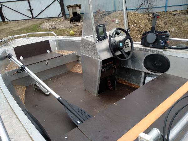 лодка алюминиевая цельносварная материал АМГ5 с мотором ямаха 30 маленькая наработка. Цена указана б