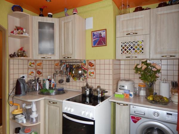 Продается 3-к. квартира, ул. Мирная, 5. Площадь 48,2 м² , этаж 1. Квартира уютная, светлая и теплая,