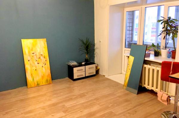 Продам 2-х комнатную квартиру, 49 м², 4 этаж, по адресу: 3-садовая, д.5. В квартире горячее централь