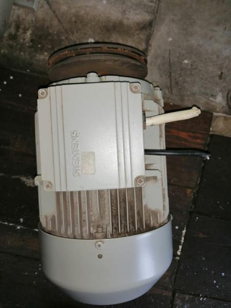 Продам электродвигатель Siemens 4 кВт, 1440 об.мин., 31 кг. Состояние отличное