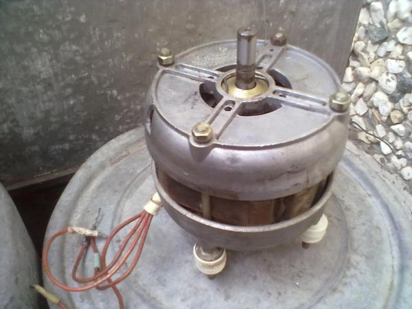 продам электродвигатель, тип АЕР 16УЧ 220 в 50 гц 180 вт 1400 об/мин