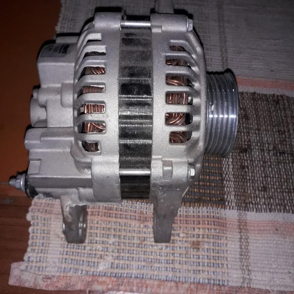 Продам генератор новый, nipparts 12 в. 90 ам.,по каталогу подходит на *корейцев*,*японцев*,киа и др.