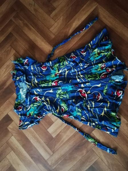 Продам халат х/б, на 5-6 лет, 100 руб