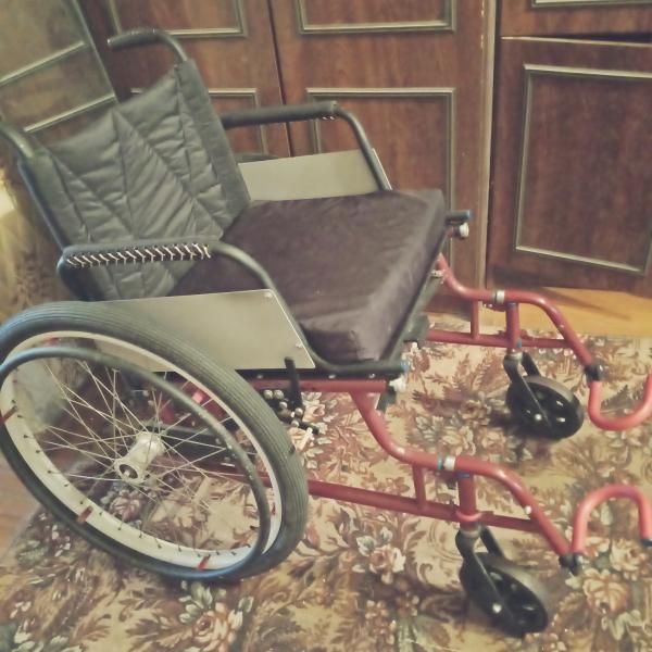 Продам инвалилную коляску