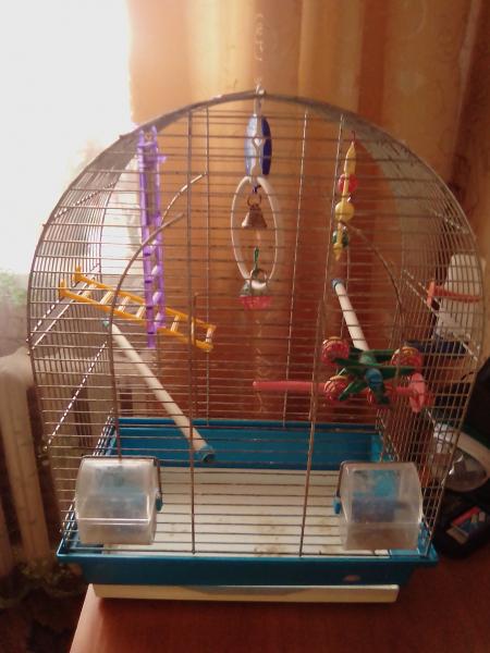 Продам клетку для попугаев.(п.Ачит).Цена договорная