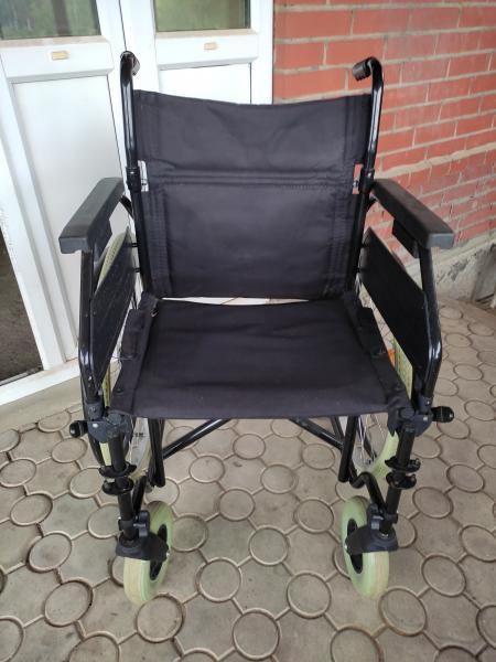 Продам кресло инвалидное, складное . Очень удобное и технологичное. Немного б/у