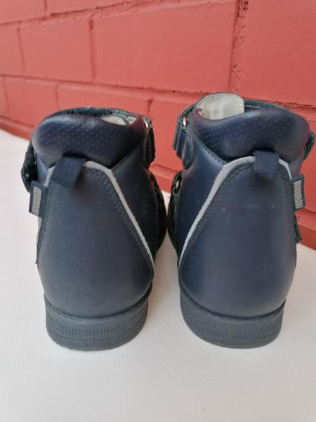 Продам летние ортопедические ботиночки фирмы Ortoboom 81057-03, 28 р-р. Брали за 3500