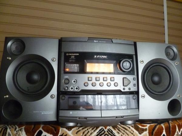 продам муз.центр Pioneer работает только AUX и радио