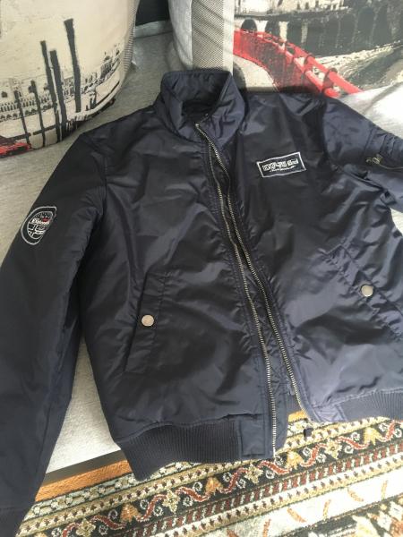 Продам мужскую весенюю куртку р-р 48