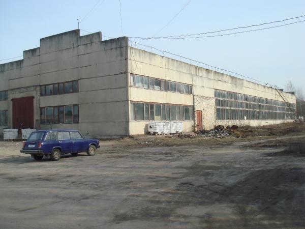 ПРОДАМ НА ОПТОВОЙ БАЗЕ (бывшая межрайбаза) в г. Красноуфимске любое из двух зданий, каждое с своей т