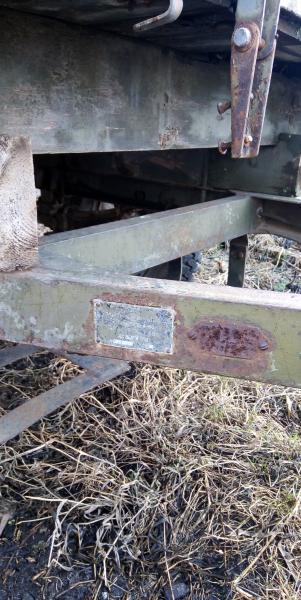 Продам одноосный прицеп на Т 25 не са мосвал но можно сделать без доков прицеп заводской не самоделк