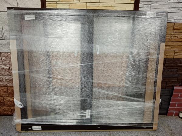 Продам окно ПВХ (в 1 стекло) высота-1300, ширина-1592, 2 секции, правая створка п/о, внешняя ламинац