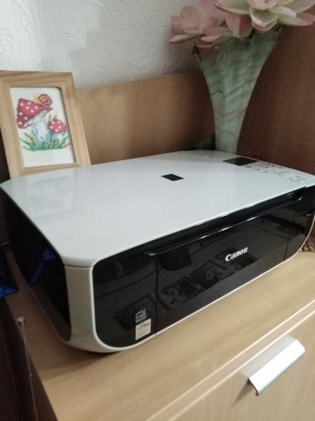 Продам принтер Canon. 3 в 1 сканер, печать, копирование. Струйный, цветной