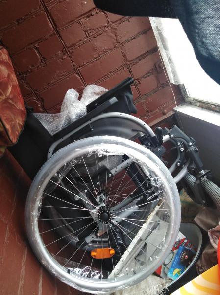 Продам прогулочную инвалидную коляску, совершенно новая