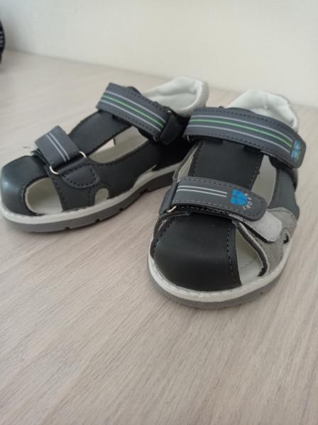 Продам сандали для мальчика 29 р-р в и/с