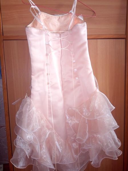 Продам шикарное платье для девочки 5-7 лет, на шнуровке