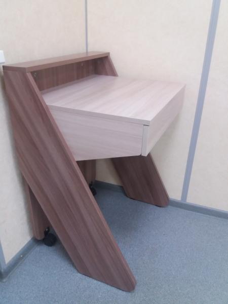 Продам стол Длина стола 60. Ширина 50