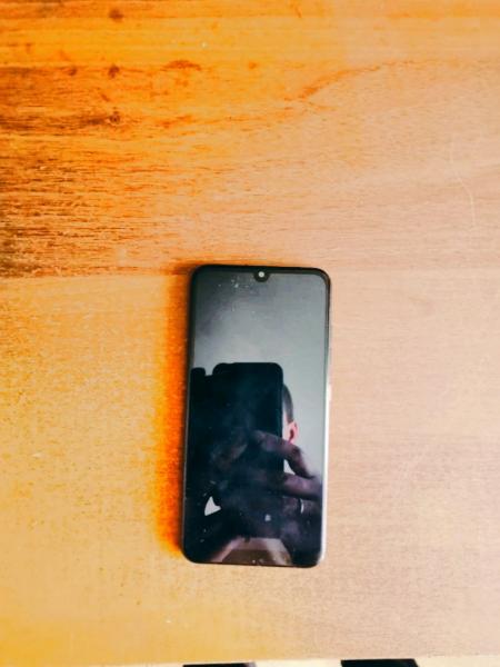 Продам телефон ZTE Blade V10 Vit(3GB+64GB) black grap.в рабочем состоянии, камера отличная рабочая м
