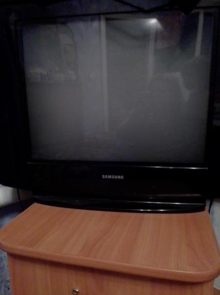 Продам телевизор. Ачит