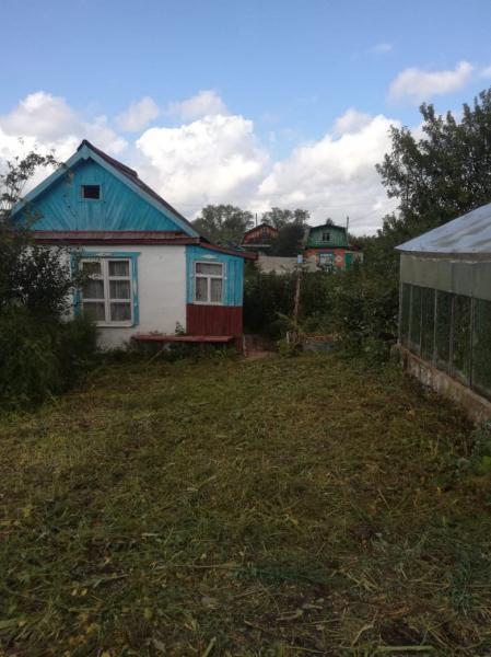 Продам участок 4 с и домиком в коллективном саду 3.Есть 2 большие теплицы
