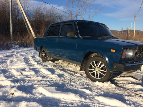 Продам ВАЗ-2107, 2009 г. о/с как внешне так и технически. Ржавчины и гнили нет, установлена хорошая