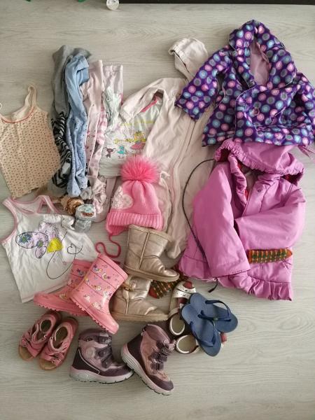 Продам вещи на девочку примерно от года до 3 лет, на фото не все