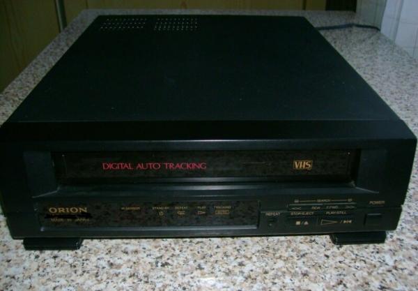 ПРОДАМ Видеомагнитофон orion в ид/с. кассетный, с пультом д/у. Произведено в Японии. Торг при осмотр
